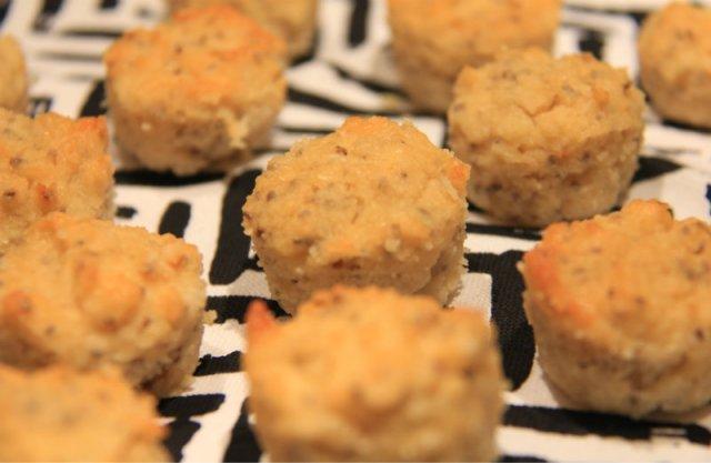 lemon chia seed muffins 2